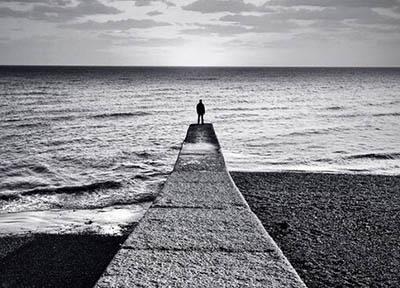Solitudine, un aiuto per combatterla