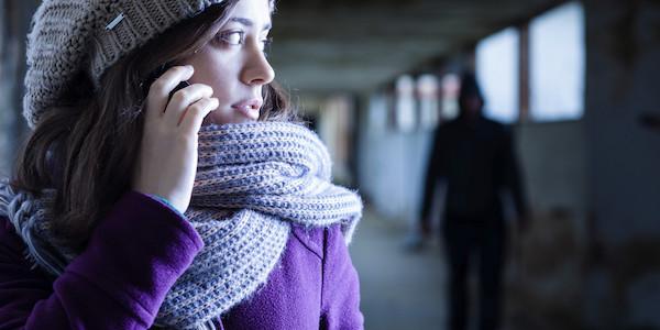 Stalking: cos'è e come difendersi.
